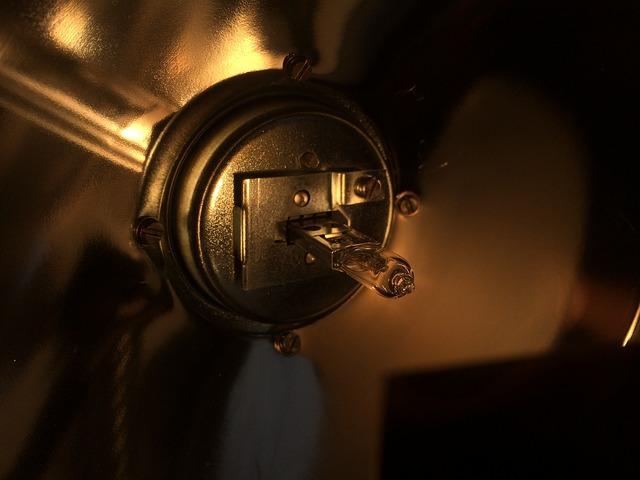 halogenová žárovička.jpg