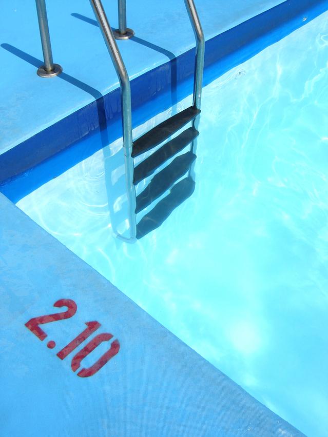 bazénové schůdky – zapuštěný bazén