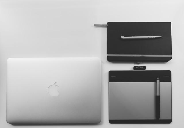 notebook a zápisník